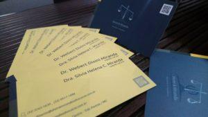 Cartão de visitas de advogado com logotipos criativos para escritório de advocacia Dixini